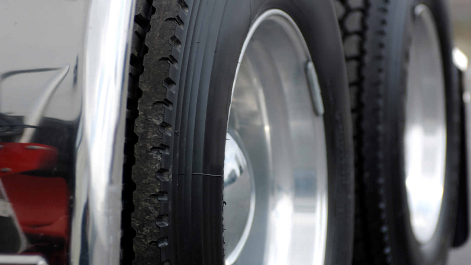 Fleet Tire Pressure Monitoring- Boost Your Safety and Fuel Savings