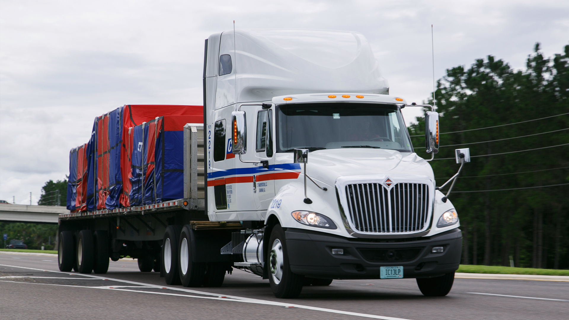 7 Myths About Flatbed Hauling Fleet Clean